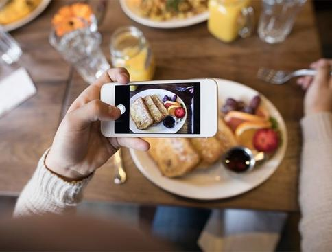 5 Amazing Ways You Can Use The Internet To Get More People To Your Restaurant